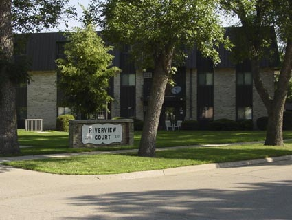 Riverview Court Apartments - Carr Properties in Marshall MN - Rental Listings